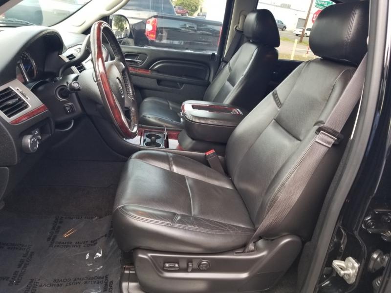 Cadillac Escalade AWD Premium 2013 price $23,995 Cash