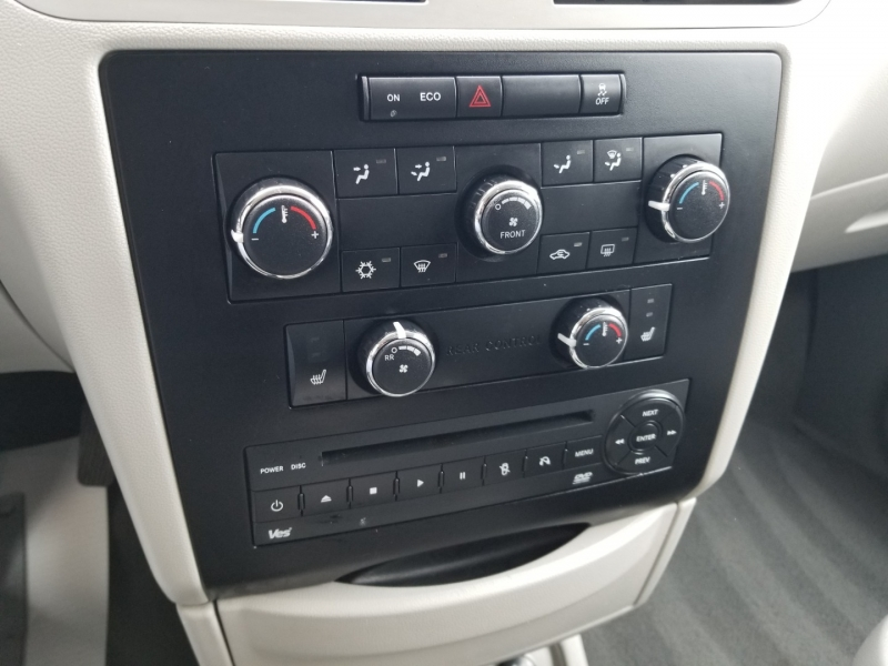 Volkswagen Routan SE Flex Fuel 1 Owner 2011 price $8,995 Cash