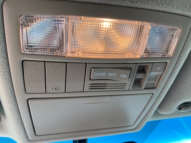 Toyota Camry XLE 2011 price $12,995