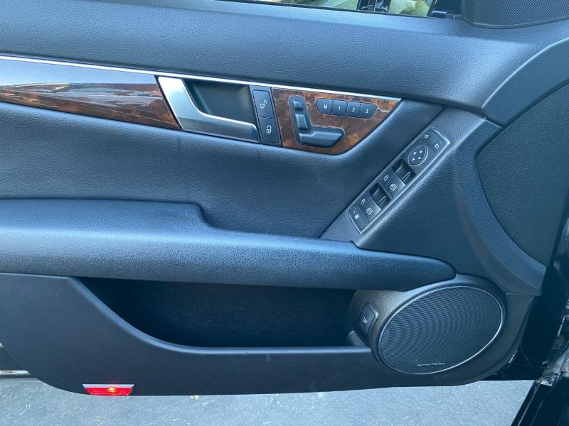 Mercedes-Benz C300 2012 price $11,995