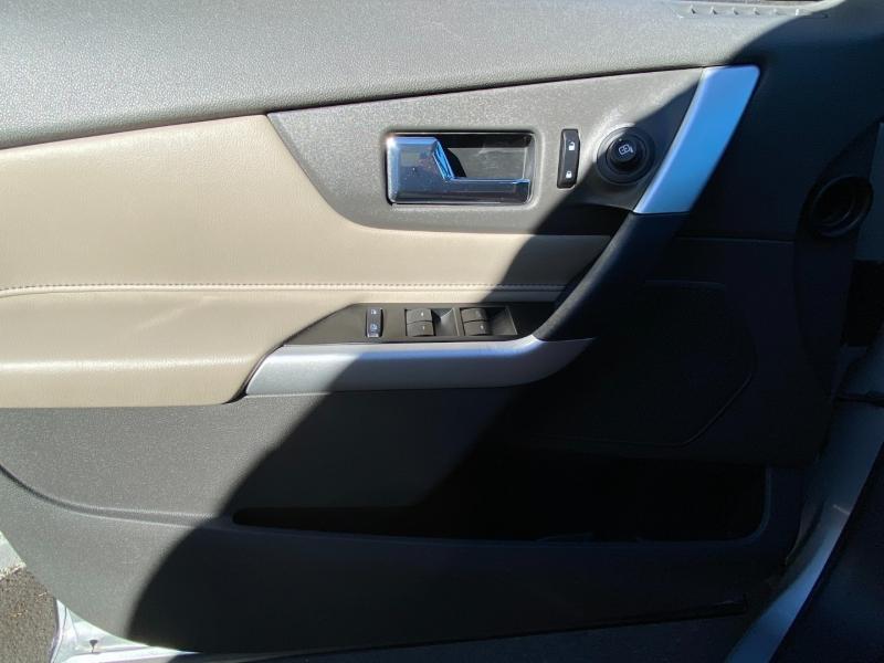 Ford Edge SE 2012 price $10,995