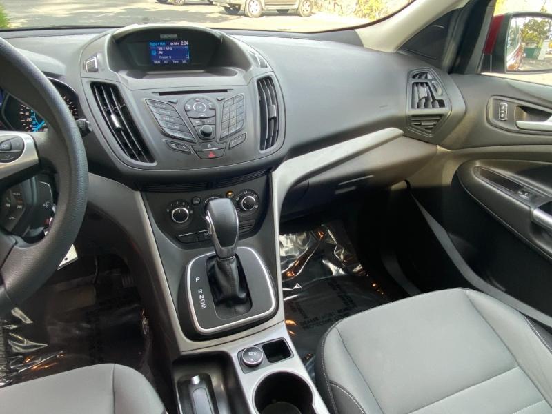 Ford Escape SE 2013 price $10,995