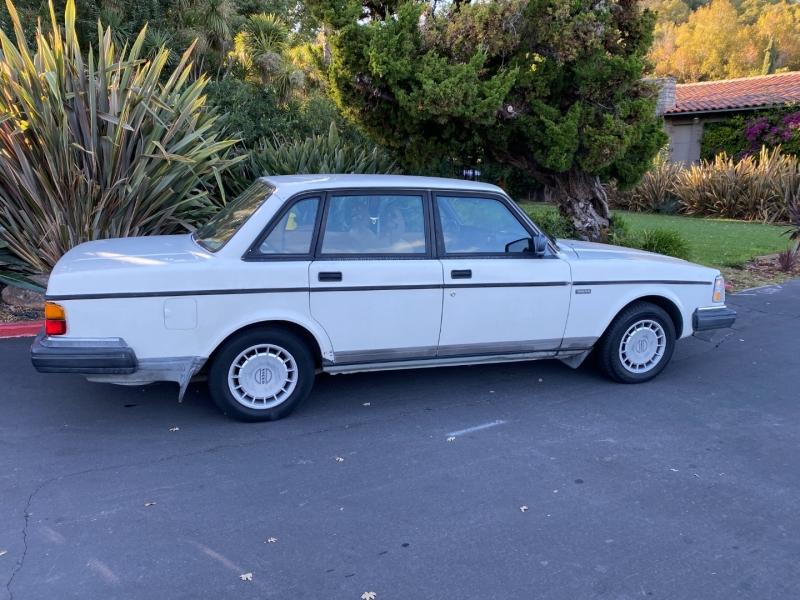 Volvo 240 1992 price $5,995