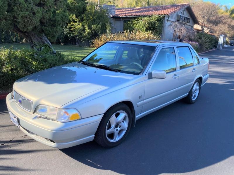 Volvo S70 2000 price $5,800
