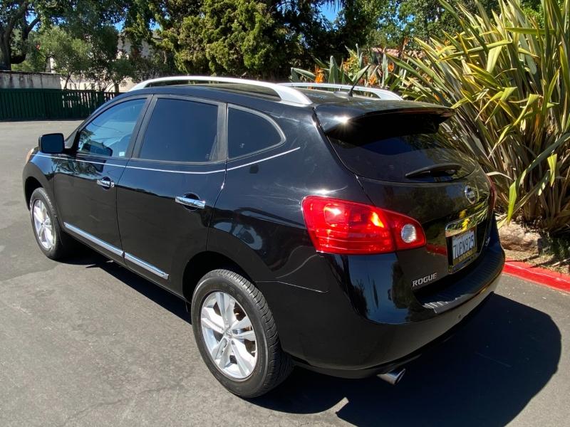 Nissan Rogue SV AWD 2013 price $10,500