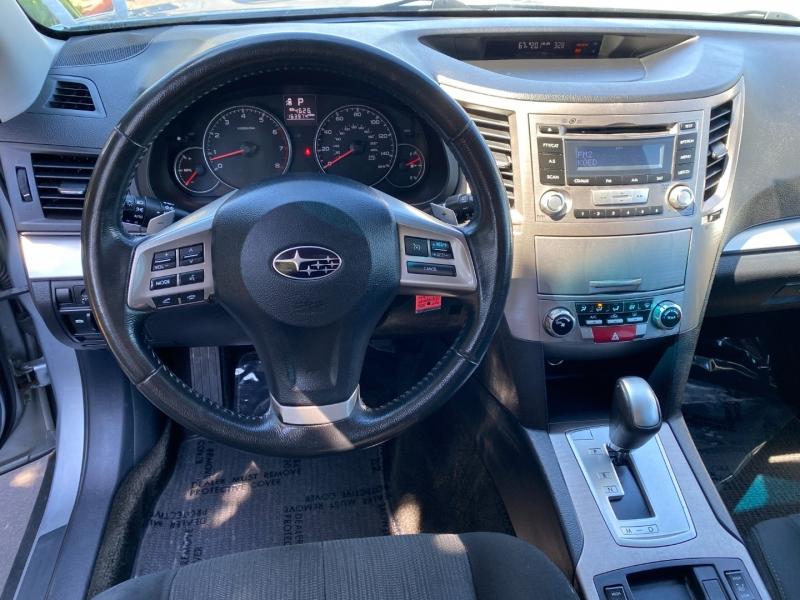 Subaru Outback Premium AWD 2013 price $9,995
