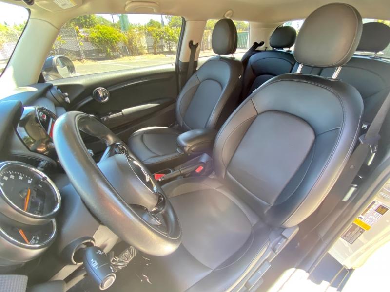 Mini Cooper Hardtop 2015 price $11,995