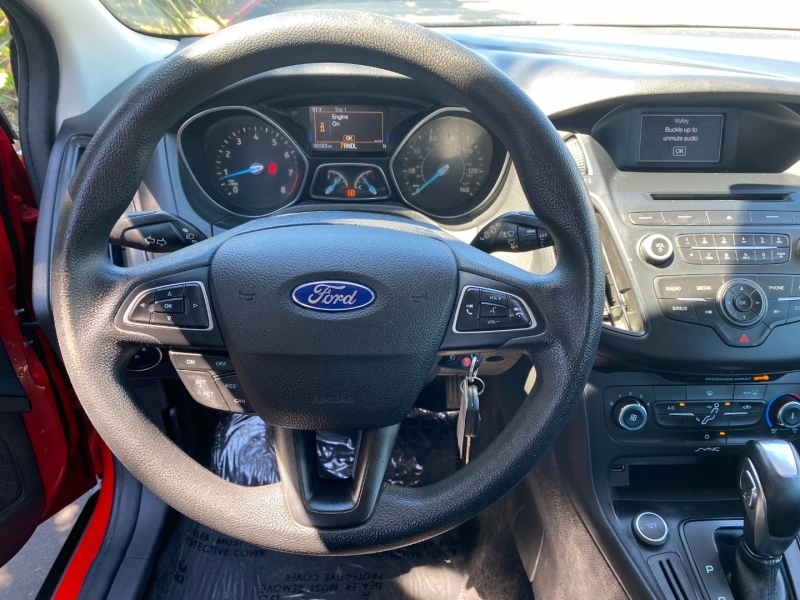 Ford Focus SE 2016 price $10,995
