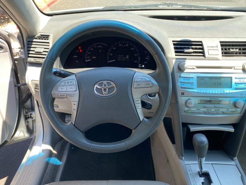 Toyota Camry Hybrid 2007 price $8,970