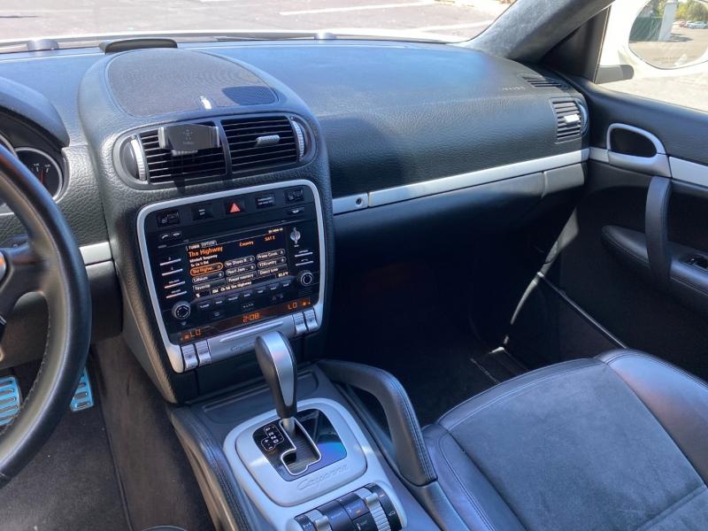Porsche Cayenne 2010 price $18,995