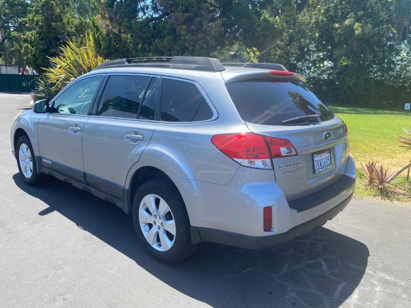 Subaru Outback 2.5 Premium AWD 2011 price $8,500