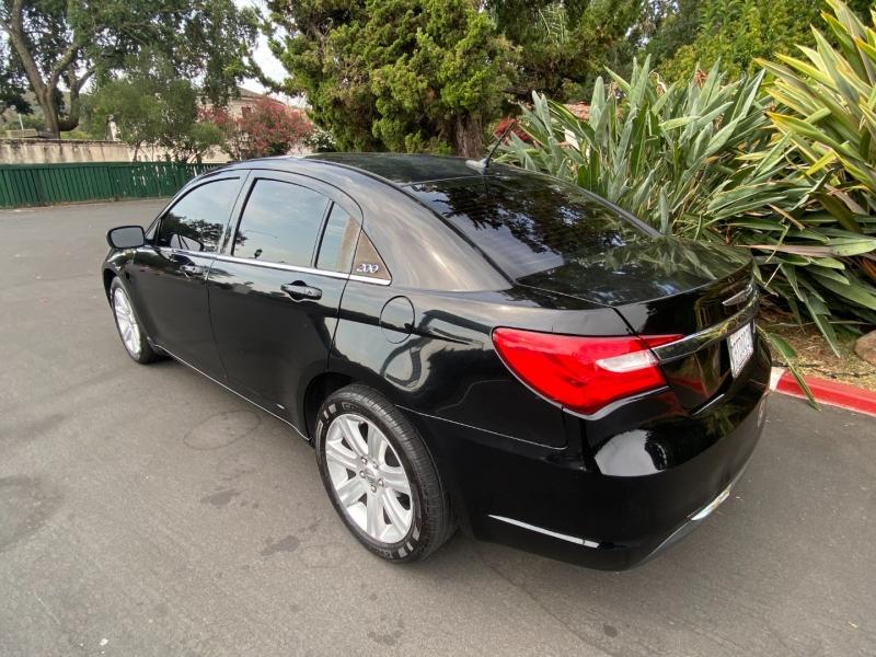 Chrysler 200LX 2013 price $10,995