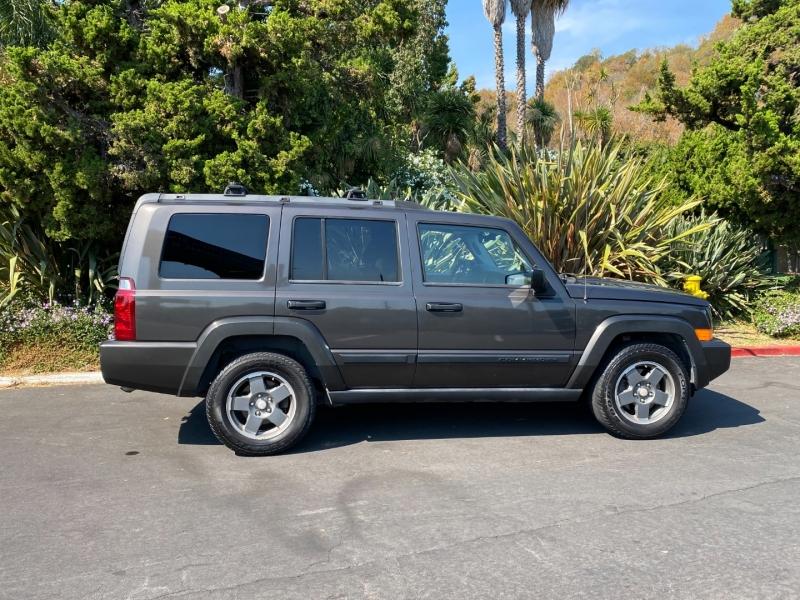 Jeep Commander 2006 price $7,850
