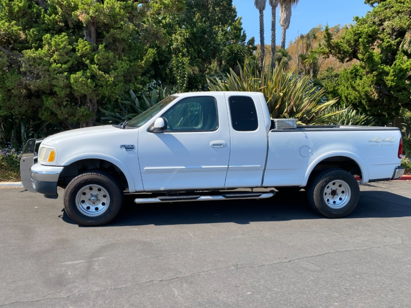 Ford F-150 2000 price $7,500