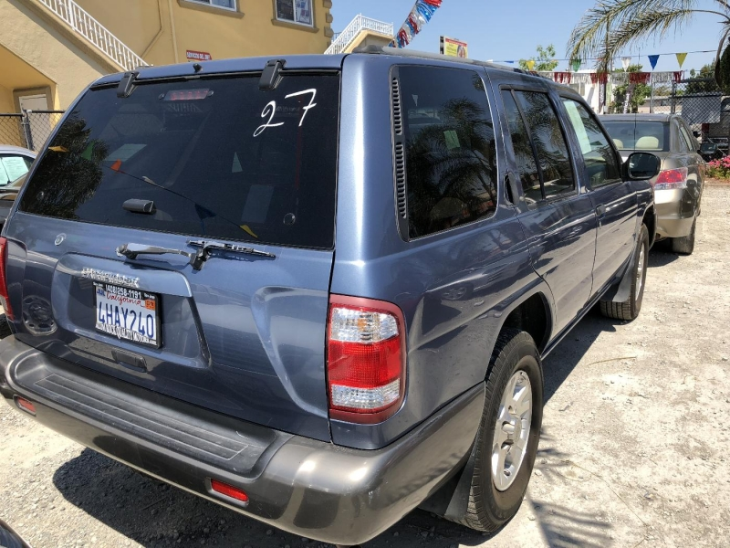 NISSAN PATHFINDER 1999 price Call for Pricing.