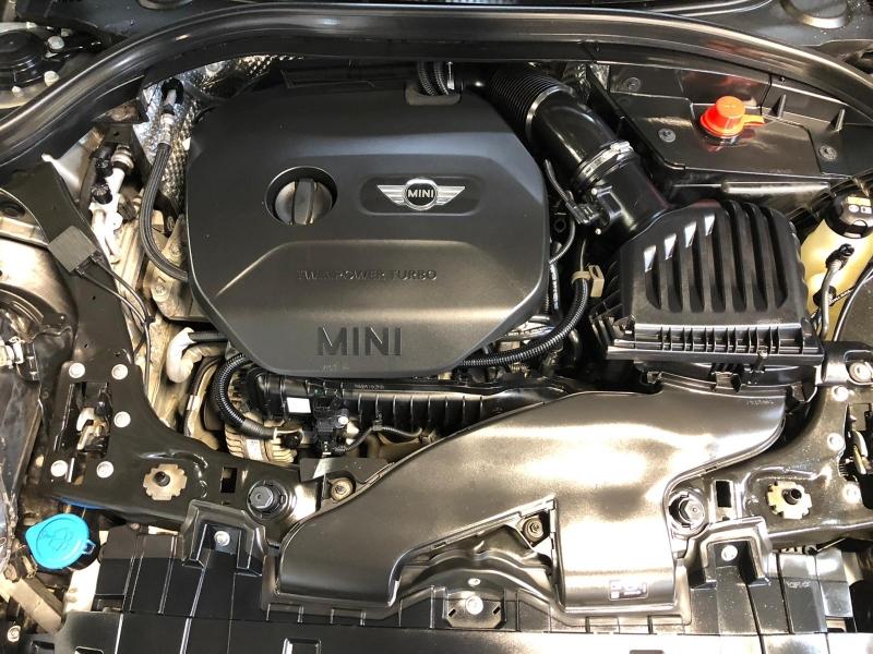 MINI Cooper Clubman 2016 price $16,950