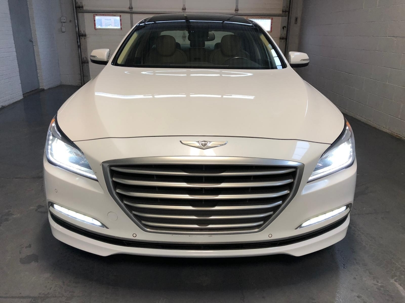 Hyundai Genesis Sedan 2015 price $19,950