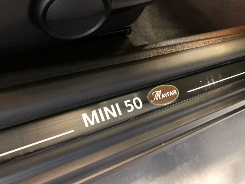 Mini Cooper Hardtop 2010 price $11,960