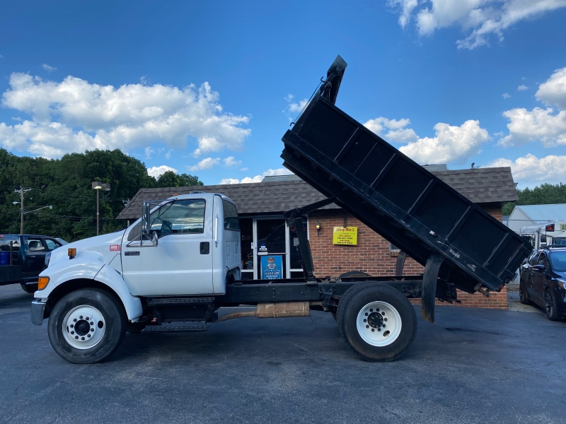 Ford F650 2006 price $31,500