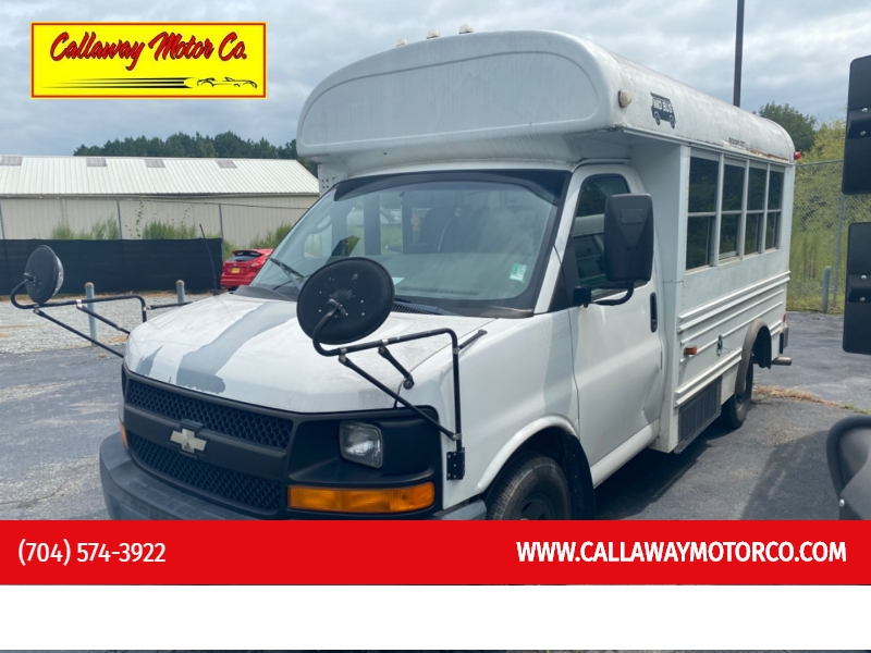 CHEVROLET EXPRESS G3500 2004 price $8,400