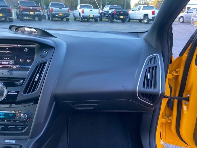 Ford FOCUS 2014 price $18,300