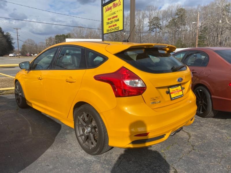 Ford FOCUS 2013 price $17,250