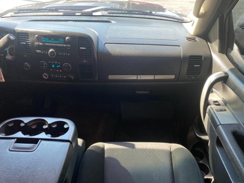 GMC Sierra 2500HD 2011 price $34,900