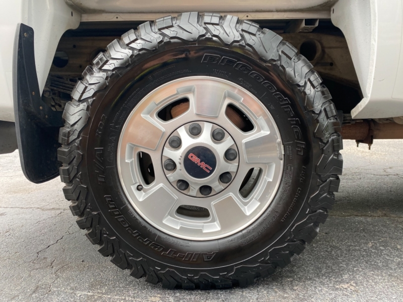 GMC Sierra 2500HD 2011 price $41,000