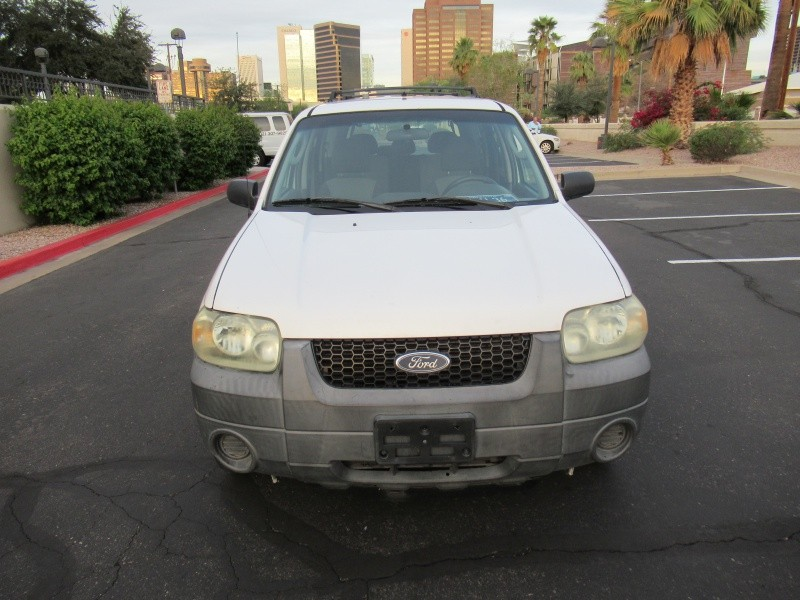 Ford Escape 2005 price $3,300 Cash