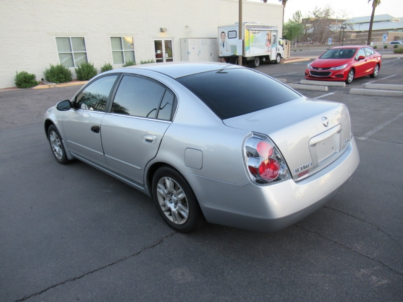 Nissan Altima 2005 price $3,900 Cash