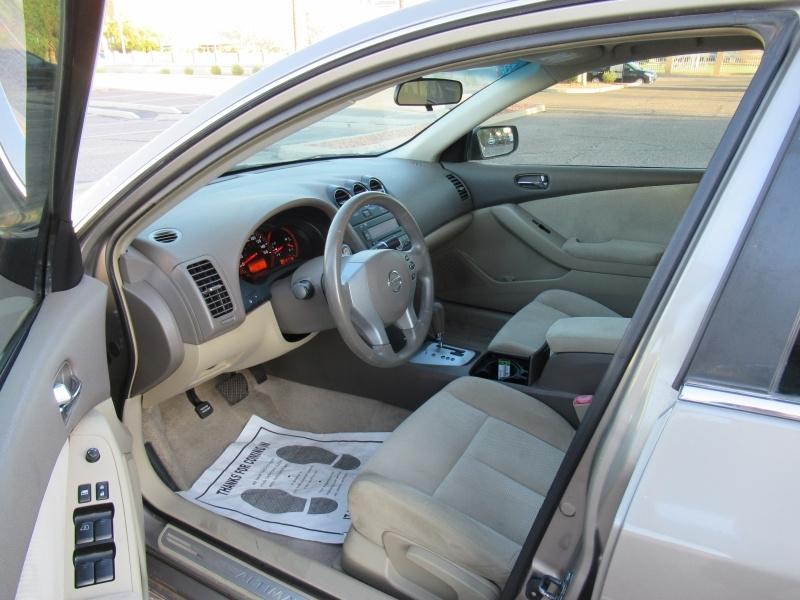 Nissan Altima 2007 price $4,695 Cash