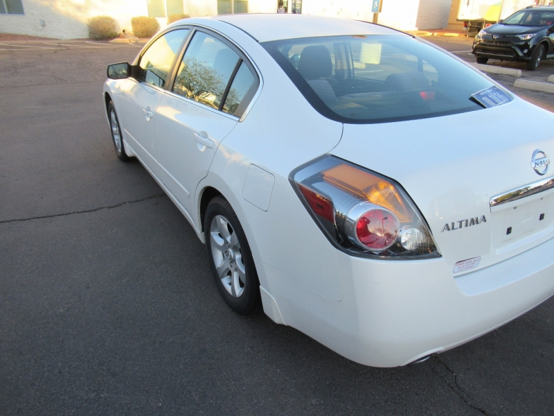 Nissan Altima 2008 price $4,795 Cash