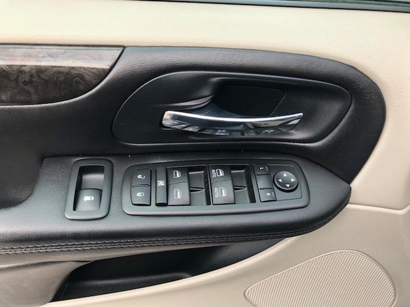 Dodge Grand Caravan 2014 price 9995.00 +TTL