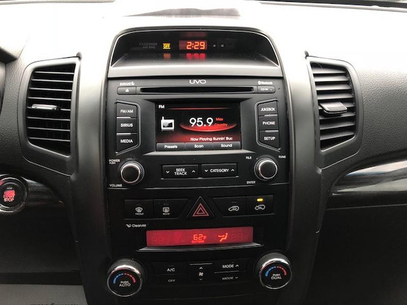 Kia Sorento 2012 price 12,995.00 + TT&L