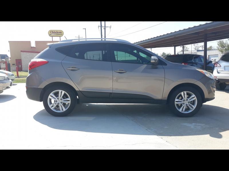 Hyundai Tucson 2013 price 11,995.00 +TTL