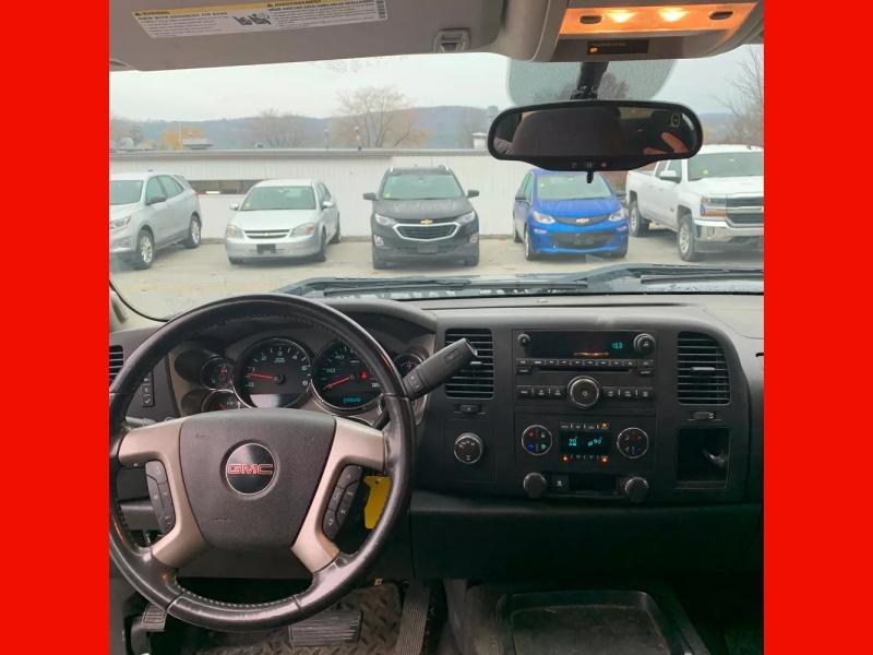 GMC Sierra 1500 2011 price $11,995 Cash