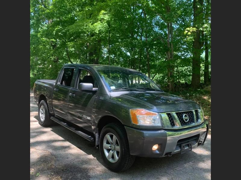 Nissan Titan 2010 price $10,995