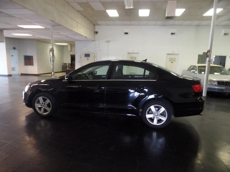 Volkswagen Jetta Sedan 2011 price $11,995