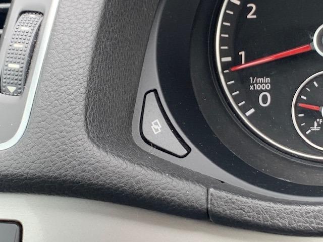 Volkswagen Passat 2012 price $10,995
