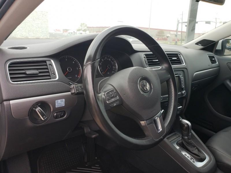 Volkswagen Jetta Sedan 2013 price $13,995