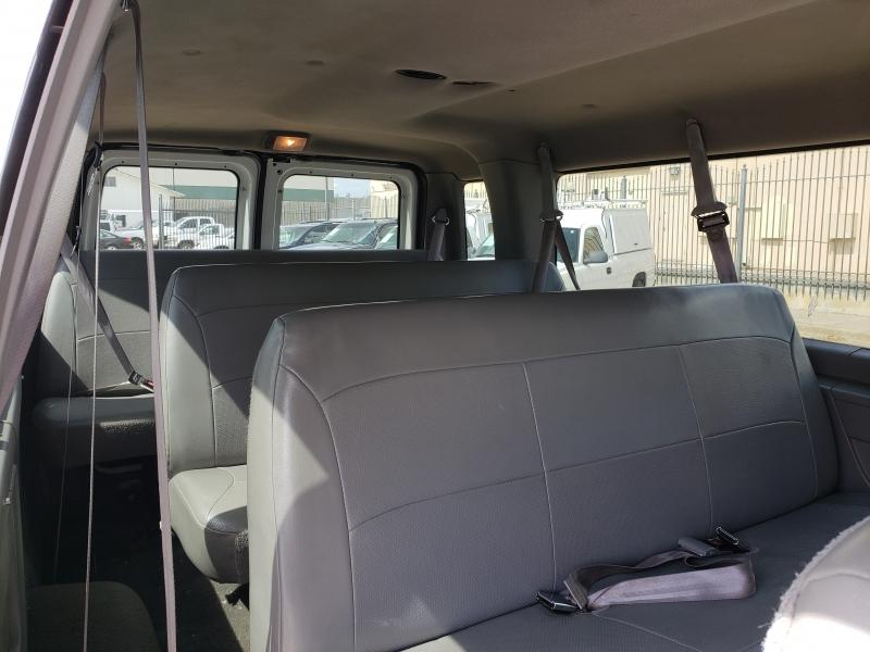 Ford Econoline Wagon 2000 price $7,995