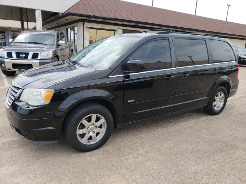 Chrysler Town & Country 2008 price $0