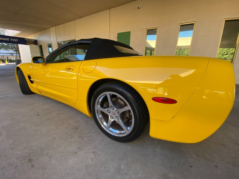 Chevrolet Corvette 2000 price $14,990