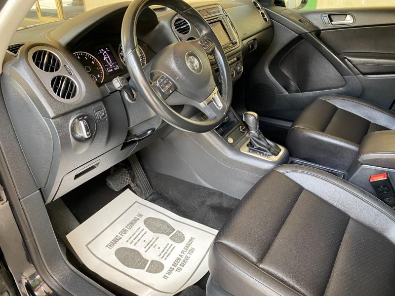Volkswagen Tiguan 2017 price $16,490