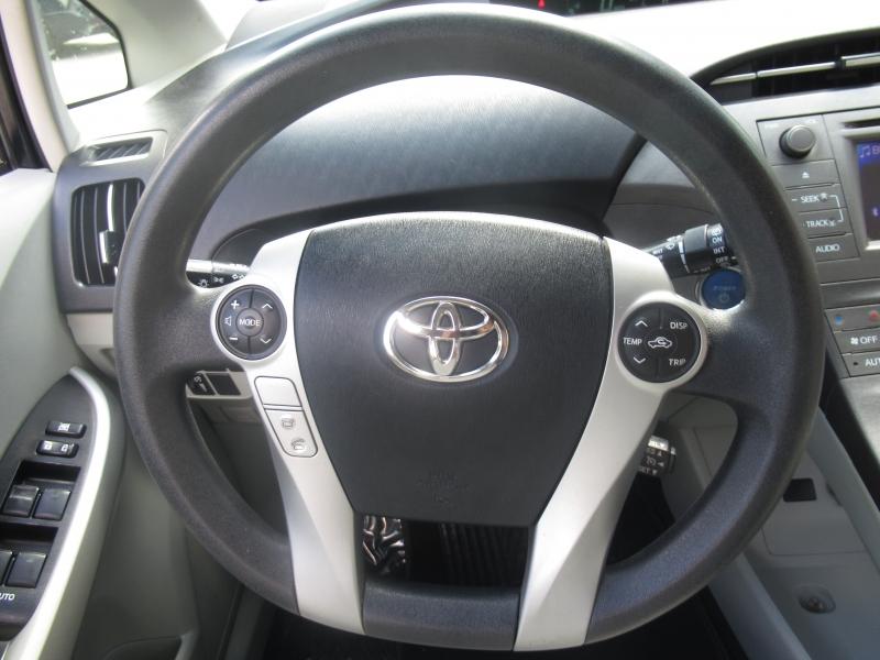 Toyota Prius 2012 price $8,999
