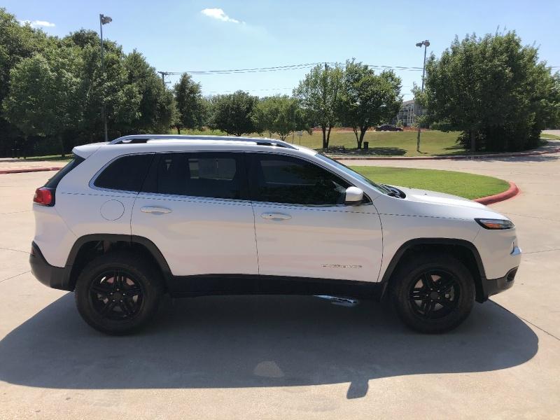 Jeep Cherokee Latitude 2015 price $15,888