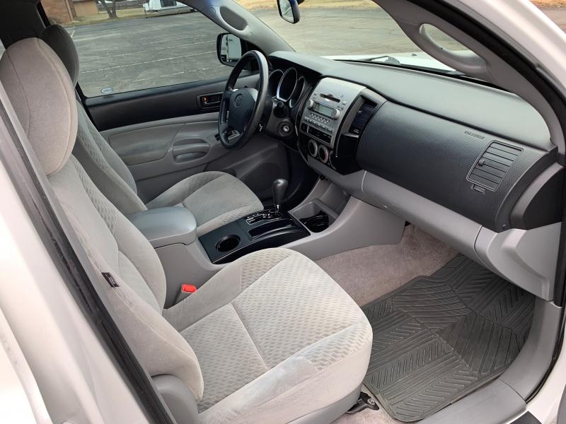 Toyota Tacoma 2009 price $9,998