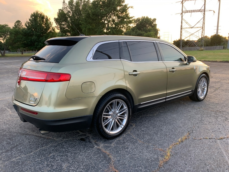 Lincoln MKT 2013 price $11,998