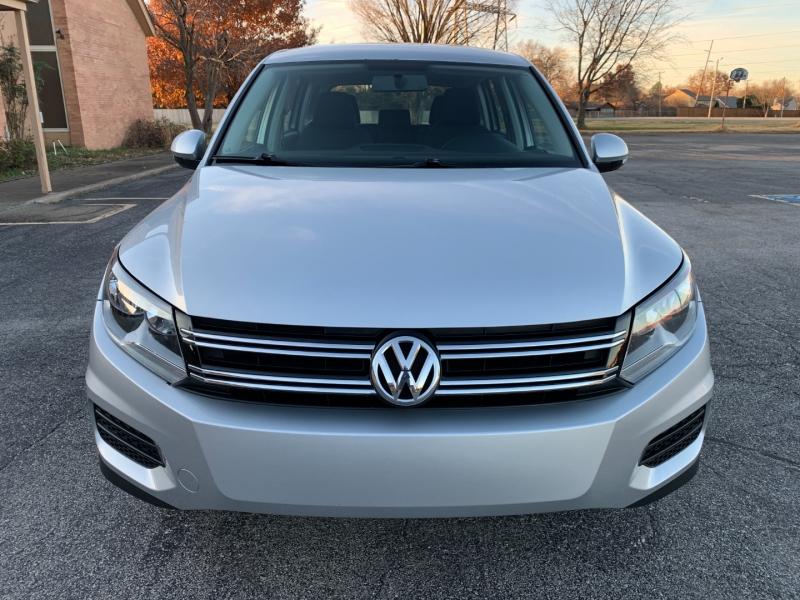 Volkswagen Tiguan 2012 price $7,998