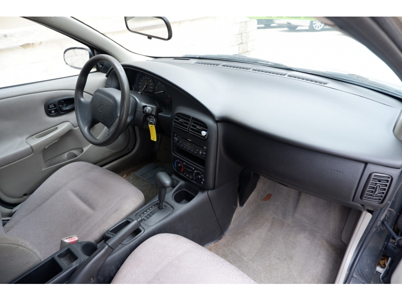 Saturn SL 2002 price $2,200